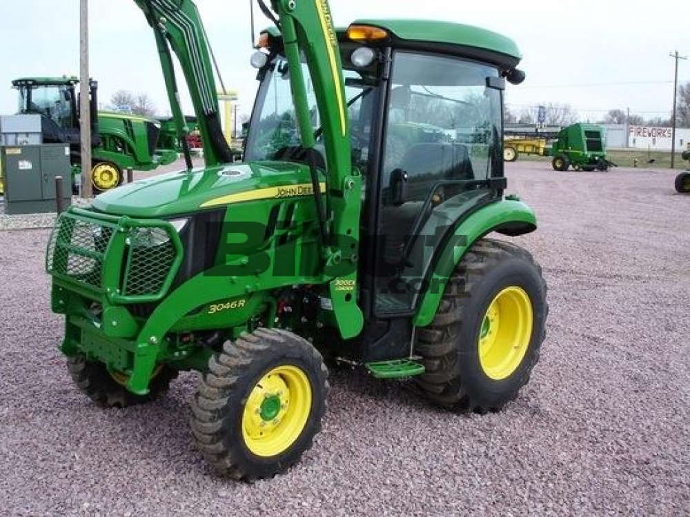 tracteur agricole john deere john deere 3046r. Black Bedroom Furniture Sets. Home Design Ideas